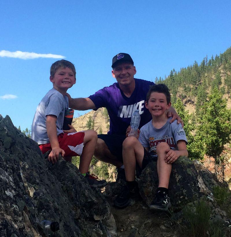 Hiking chris & boys